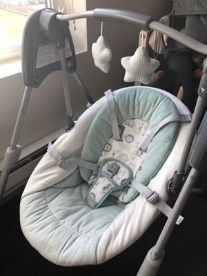 Graco Slim Spaces Compact Baby Swing for Sale in Seattle, WA