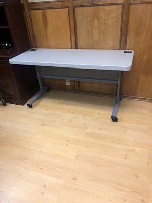 Desk / table for sale for Sale in San Bernardino, CA
