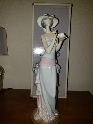 Lladro Figurine for Sale in San Antonio, TX