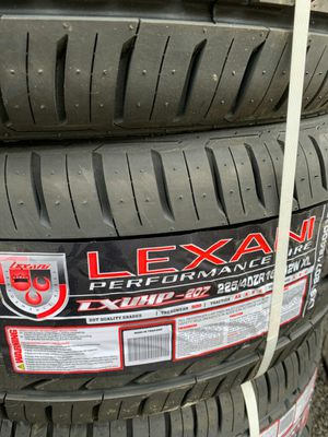 Lexani performance tire set and 4 rims for Sale in Columbus, OH