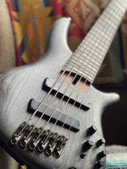 Ibanez SRFF806 Six String Bass for Sale in Portland,  OR
