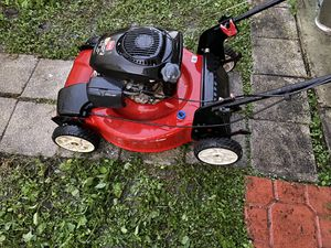 Toro recycler 22' self propelled lawn mower for Sale in Miami, FL