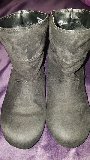 Black suede girls boots. Size 3 for Sale in Whittier, CA