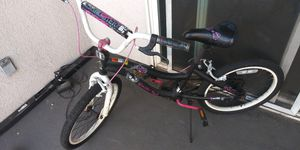 Monster High bicycle for Sale in Los Angeles, CA