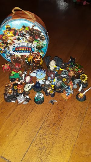 SKYLANDERS GIANTS 25 PIECE for Sale in Dayton, OH