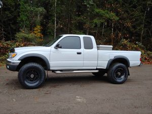 2001 Toyota Tacoma 4x4 2.7L 4cly 5 Spd transmission 195K miles in excellent condition for Sale in Poulsbo, WA