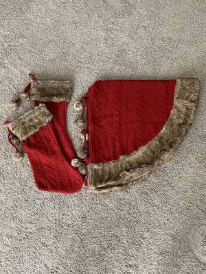 Red Knit Stocking And Tree Skirt Set With Faux Fur for Sale in Pasco, WA