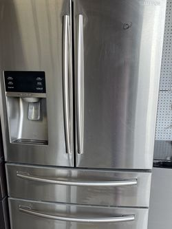 Samsung Stainless Steel French 4 Door Fridge for Sale in Stockton,  CA