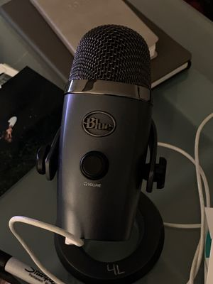 Blue mic for Sale in View Park-Windsor Hills, CA