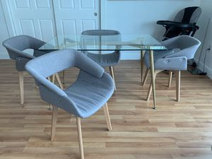 Brand new table set for Sale in Miami Beach, FL