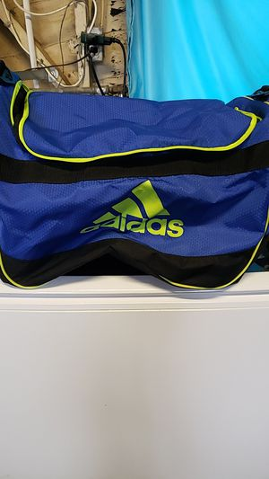 Adidas duffle bag for Sale in Riverside, CA