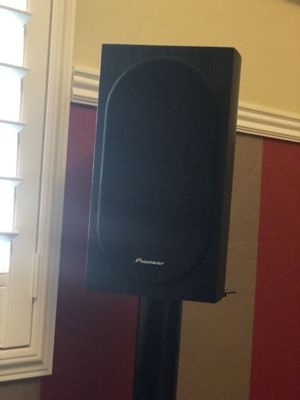 Pioneer Surround Sound, BIC Subwoofer, and Pioneer Receiver (High End, Newer Equipment) for Sale in Visalia, CA