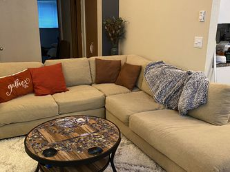Large Sectional Couch for Sale in Tacoma,  WA