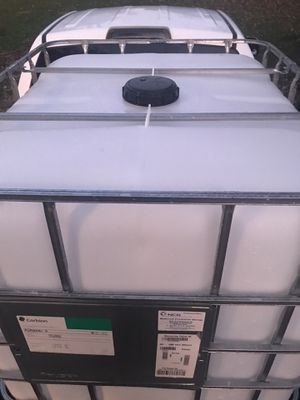 275 gallons totes for Sale in Monroe, OH