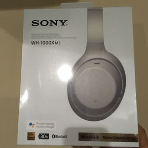 Sony WH1000XM3 Wireless Noise Canceling Headphones (Platinum Silver)! BRAND NEW! MSRP: $349.99 for Sale in Washington, DC