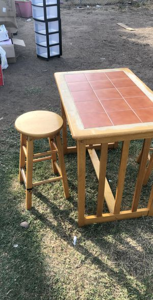 Couple dining table for Sale in Fresno, CA