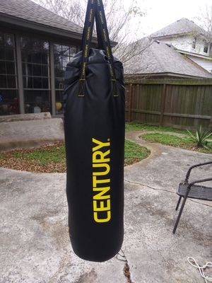Punching bag. 100lb for Sale in Corpus Christi, TX