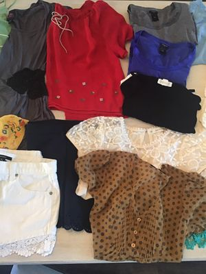 Women's clothing lot size small to medium for Sale in Miramar, FL