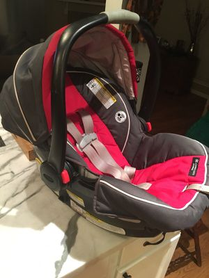 Graco Car seat with base for Sale in Houston, TX