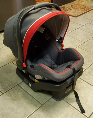 Graco Snugride Snuglock Infant Car Seat for Sale in Grand Prairie, TX