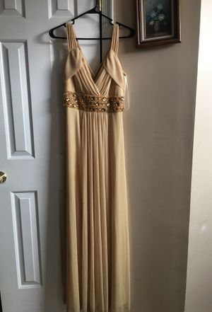 Yellow Prom dress- M for Sale in Ashburn, VA