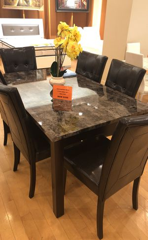 Dining table with 6 chairs for Sale in Dallas, TX