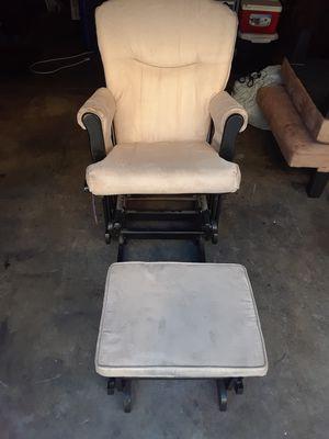 silla muy comoda mesedora for Sale in Chula Vista, CA