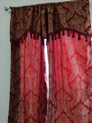 Beautiful Curtains with drapes excellent condition like new for Sale in Fresno, CA
