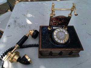 Old telephone for Sale in Irwindale, CA