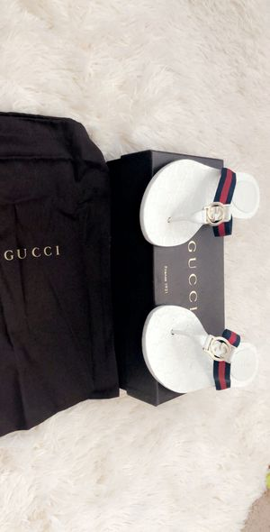 Authentic Gucci thong slides for Sale in Zephyrhills, FL