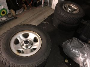 General grabber AT2 tires on Jeep Cherokee Xj wheels for Sale in Fairfax, VA