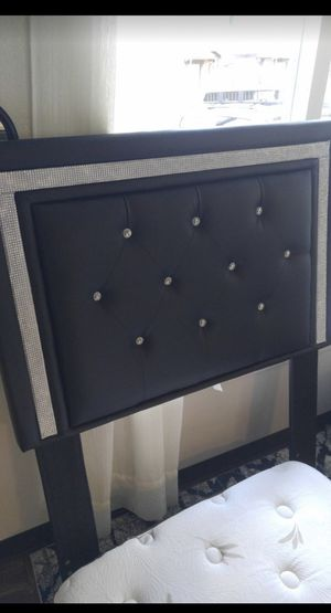 Twin bed frame perfect condition for Sale in Tacoma, WA
