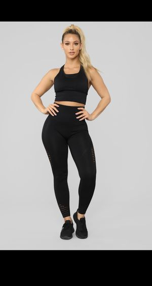 Black Sports Bra & Leggings Set 🖤 for Sale in Lake Worth, FL