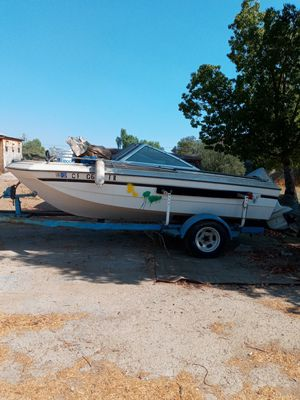 Free boat only not the trailer for Sale in Perris, CA