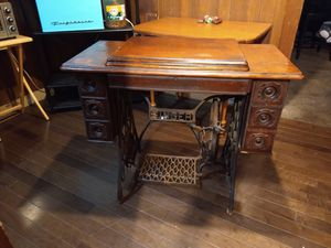 Singer sewing machine for Sale in Wichita, KS