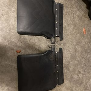 24 Inch Poly Quarter Fenders With Tube Style Mounting Arms, Clamps & Mud Flaps - Pair for Sale in Auburn, WA