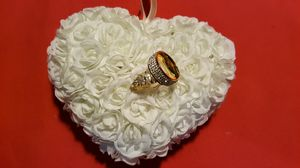 New White Floral Heart Shaped Ring Bearer or Jewelry Display Holder for Sale in Miami, FL