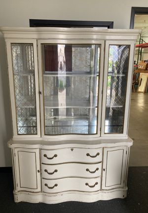 Antique hutch with curved glass - good condition for age for Sale in Los Angeles, CA