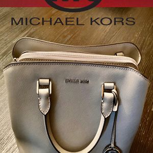 MICHAEL KORS BIG PURSE - GRAY / BRAND NEW for Sale in Ontario, CA