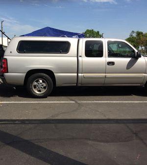 Silverado camper 2004 for Sale in Fresno, CA