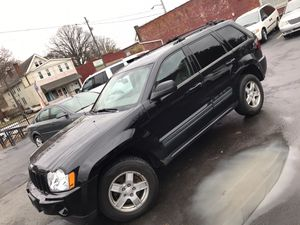 2006 JEEP GRAND CHEROKEE LOADED LOW miles 4x4 for Sale in Cleveland, OH