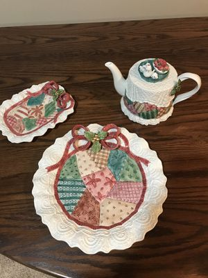 Fitz & Floyd 1992 Christmas serving set for Sale in Mason City, IA