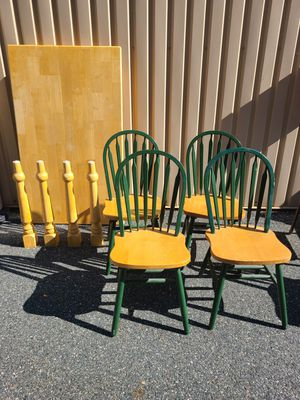 KITCHEN TABLE AND 4 CHAIRS for Sale in Bel Air, MD