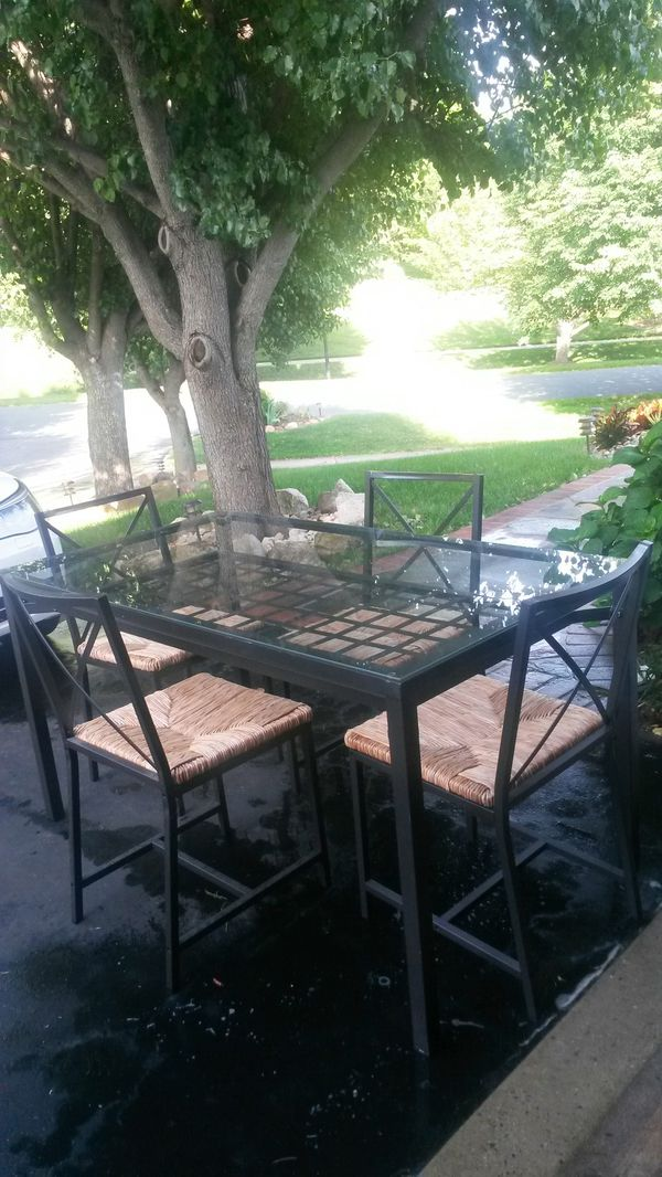 Gorgeous like new kitchen dining set