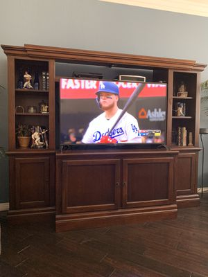 Entertainment unit for Sale in Fontana, CA