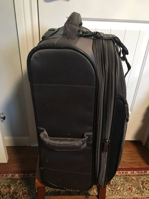 Claiborne suitcase very good condition for Sale in Tulalip, WA