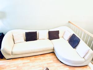 Couch / Beautiful Genuine Leather Scandinavian Designs Sectional ( right ) for Sale in Martinez, CA