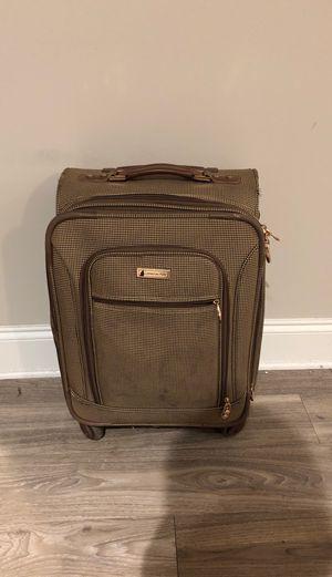 London Fog Carry On Suitcase for Sale in Atlanta, GA