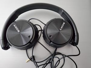 Like New Sony MDR-ZX110NC Extra Bass Noise-Cancelling Headphones Wired for Sale in Tempe, AZ