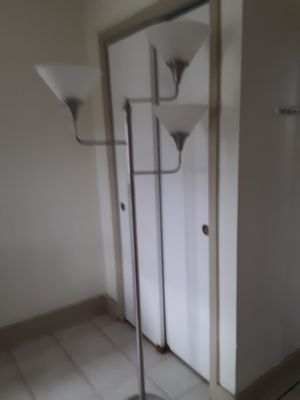 Floor lamp for Sale in Pembroke Pines, FL